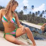 Natalia Paris – Modelando Trajes De Baño Foto 6