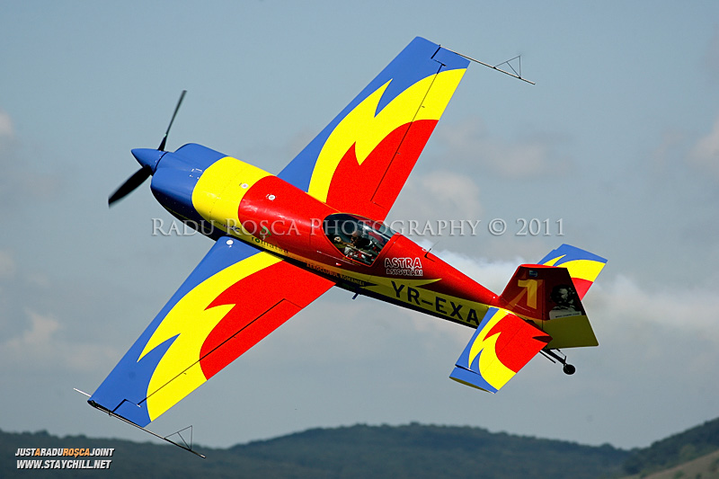 """A doua editie a mitingului aviatic """"Sky is not the limit"""" desfasurat la aerodromul din Targu Mures sambata, 13 august 2011"""