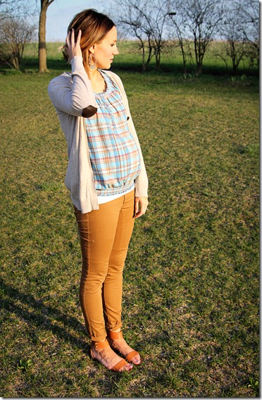 camel-skinnies-maternity-style