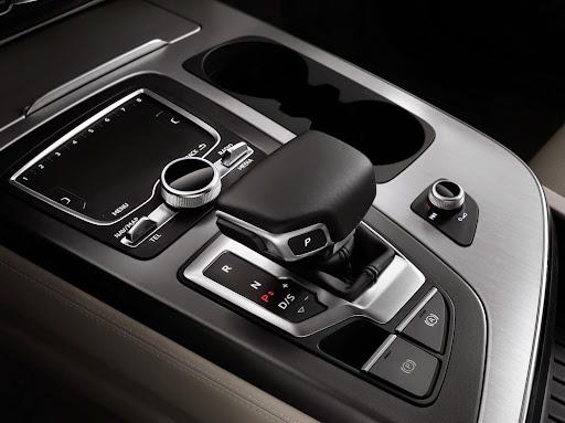 Audi-Q7-New-2016-17.jpg