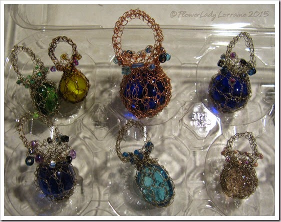 02-01-crocheted-wire-beads-glass2