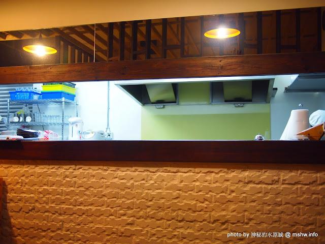 【食記】台中Cocoro Soup Curry 心.湯咖哩@西區精明商圈 : 來自札幌的咖哩新吃法, 雖然口感帶有些微粉感, 但沒想像中的糟! 區域 午餐 台中市 咖哩 日式 晚餐 西區 飲食/食記/吃吃喝喝