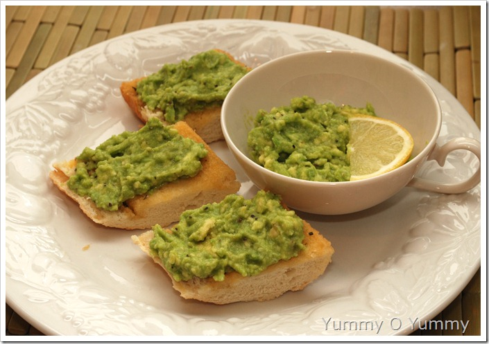 Avocado crostini