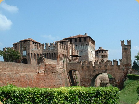Lombardy_Rocca_ovest
