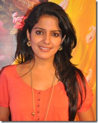 Actress Vishakha Singh Photos at Kanna Laddu Thinna Aasaiya PM