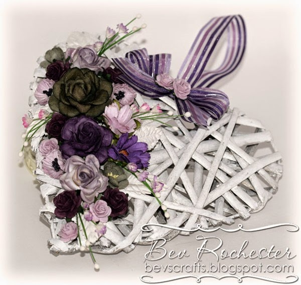 bev-rochester-willow-heart-decoration2