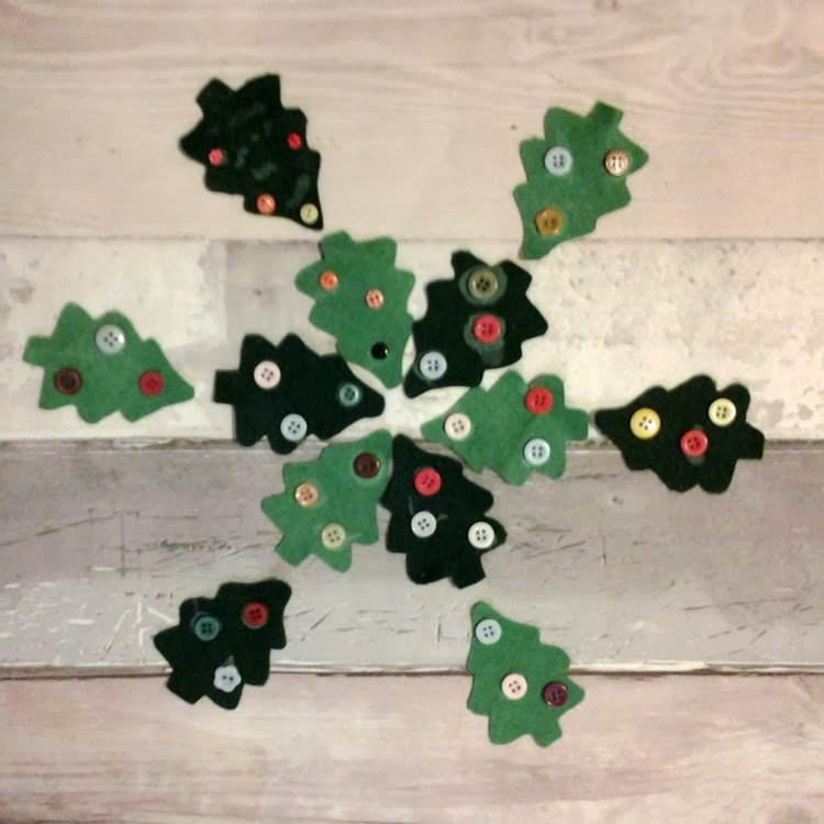 DIY felt cookie cutter christmas tree banner decorated trees