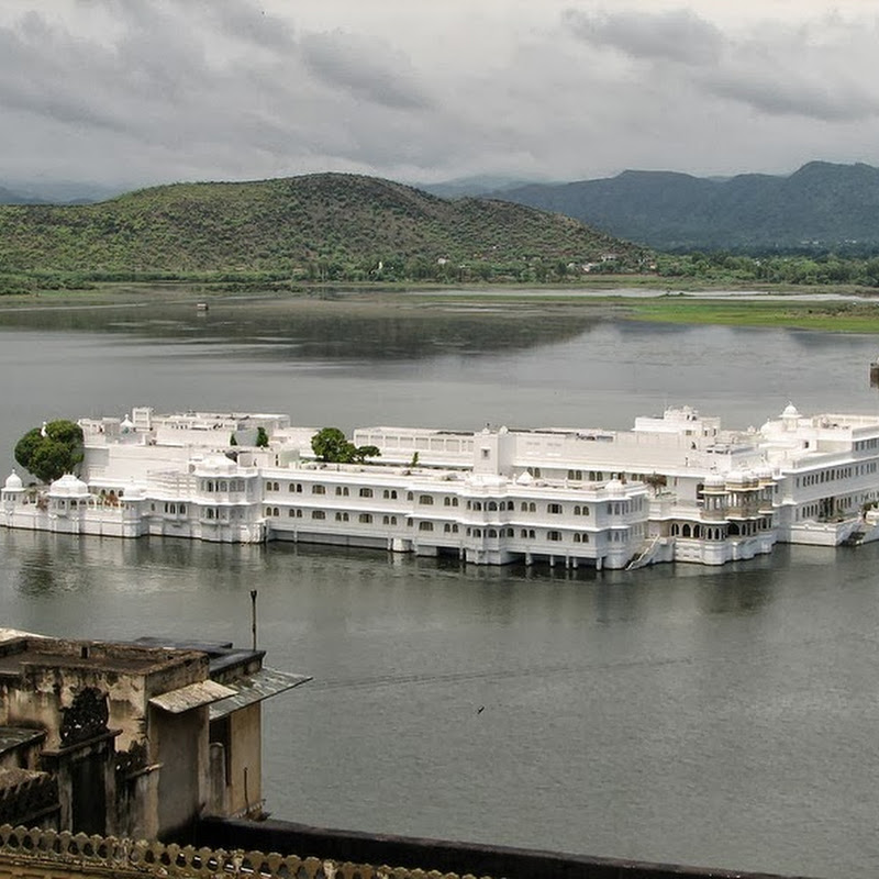 "The ""Floating"" Lake Palace of Udaipur"