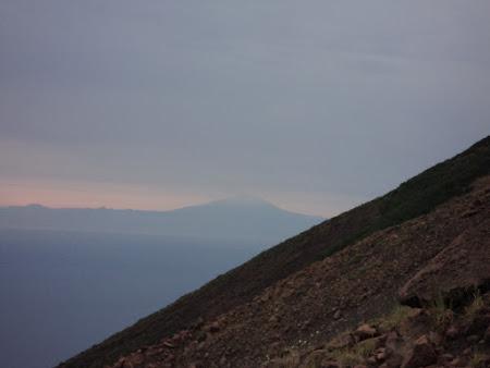 Stromboli - Etna vazuta de pe Stromboli