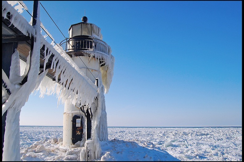frozen-lighthouses-10