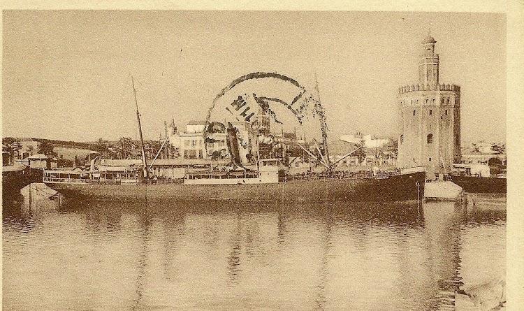 Valiosisima foto del vapor CABAÑAl en el puerto de Sevilla. Foto Archivo Manuel Rodriguez Aguilar. Nuestro agradecimiento.jpg