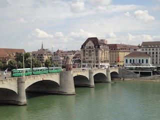 Le Pont du Milieu à Bâle