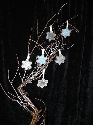 resin snowflakes 1