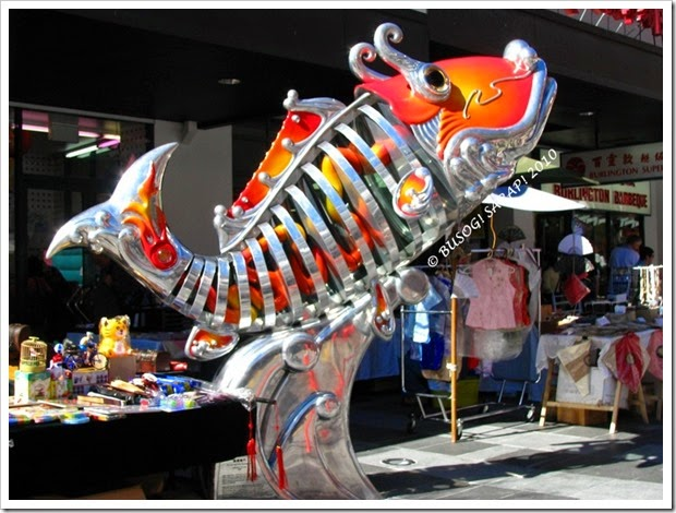 CHINATOWN FORTITUDE VALLEY'S CARP SCULPTURE © BUSOG! SARAP! 2010