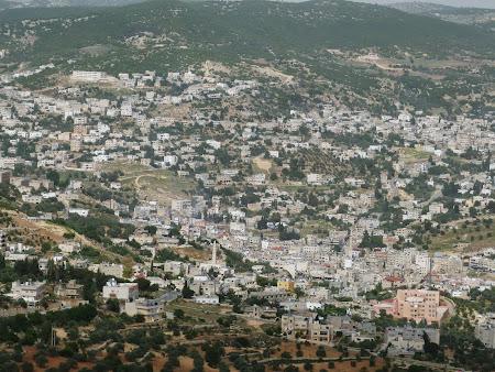 Obiective turistice Iordania: Oras sub cetatea Ajloun