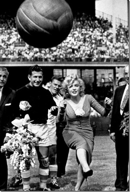 Photo ID - 12334, Year - 1957, Film Title - , Director - , Studio - , Keywords - 1957, MARILYN MONROE, NEW YORK CITY, SOCCER, SPORT, KICKING, BALL, FOOTBALL, HIGH HEELS