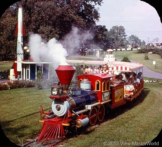 View-Master Dutch Wonderland (A634), Scene 4: The Cannonball Express