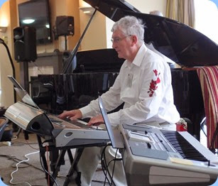 Club President, Gordon Sutherland, playing his Korg Pa3X. Photo courtesy of Dennis Lyons