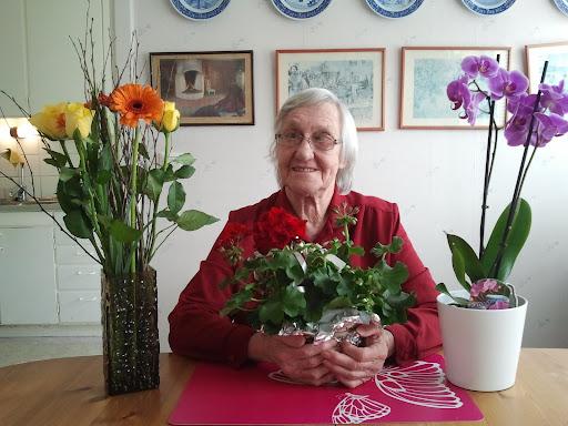 grattis lilla mamma idag när du fyller år Ewabloggen: Lilla mamma fyller 90 år idagGRATTIS! grattis lilla mamma idag när du fyller år