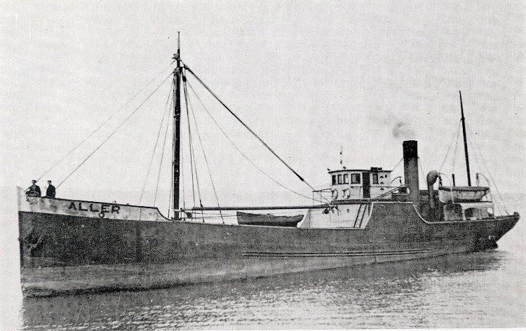 El vapor ALLER de Lafuente. Foto Blanquez. Del libro La Marina Cantabra. Desde el Vapor. Vol III.jpg
