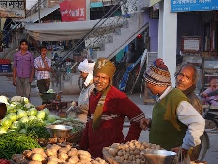 42. Piata din Agra.JPG