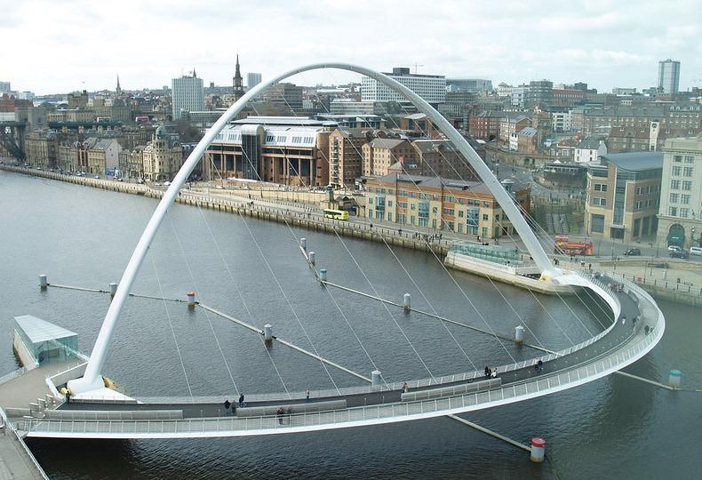gateshead-millennium-bridge-12