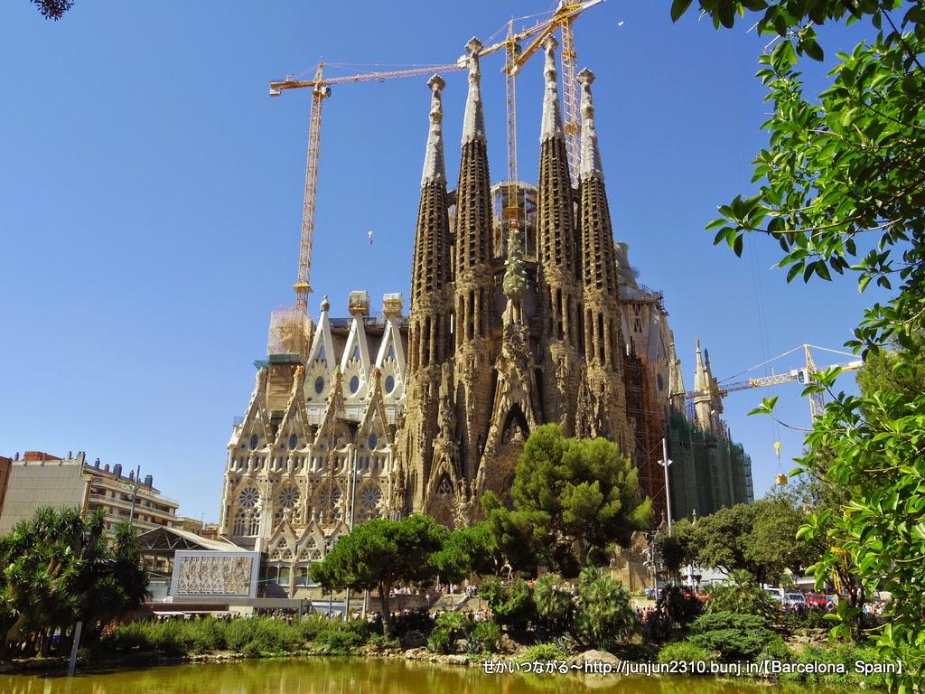 スペイン バルセロナ サグラダ ファミリアっていうもの せかい