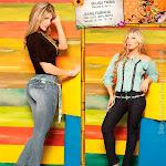 Angelica Jaramillo y Sofia Jaramillo Modelando D'Axxys Jeans Foto 22