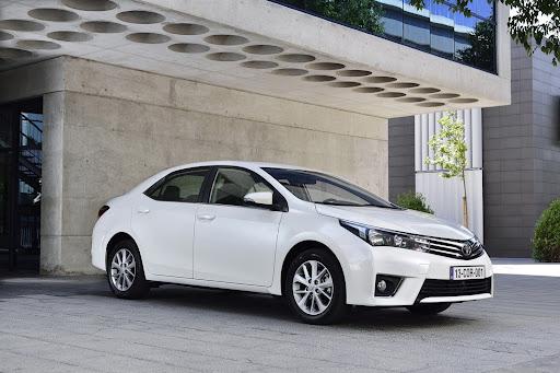 2014-Toyota-Corolla-28.jpg