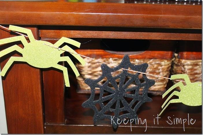 Halloween spider garland (2)