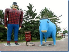 2617 Minnesota Bemidji - Paul Bunyan and Babe statues