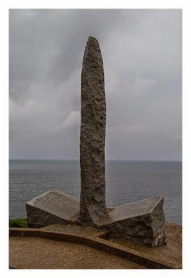 Westliche Landungsstrände - Pointe du Hoc - Denkmal für die Ranger
