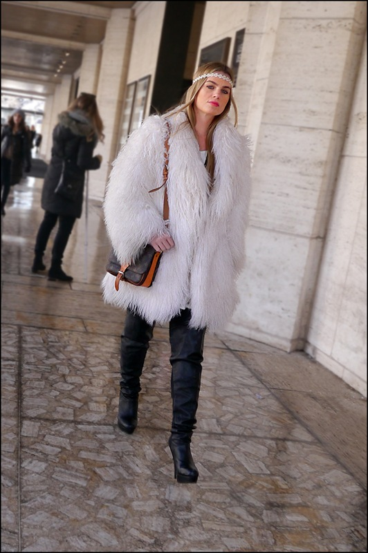 19 w thigh high black boots white fur louis vuitton bag ol