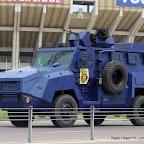 Tank de la police nationale congolaise devant le stade des martyrs le 23/12/2011 à Kinshasa. Radio Okapi/ph. John Bompengo