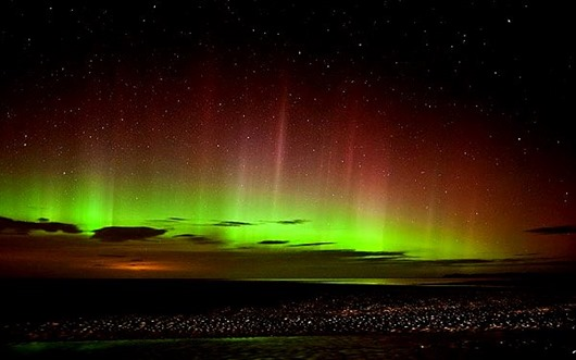 aurora-borealis-northern-lights-the-flying-tortoise