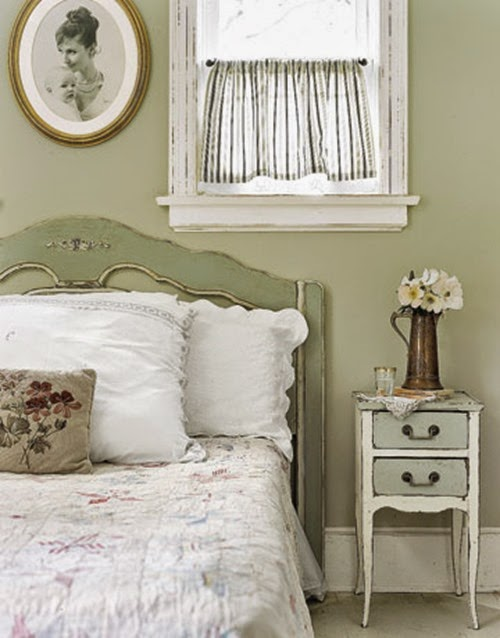 CL bedroom vintage green