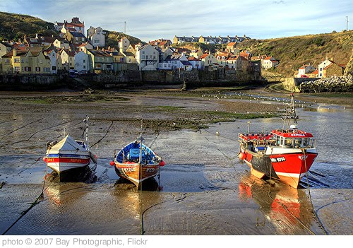 'Staithes Harbour' photo (c) 2007, Bay Photographic - license: http://creativecommons.org/licenses/by/2.0/