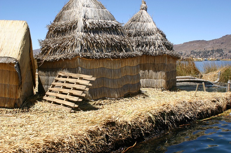 uros-floating-island-8