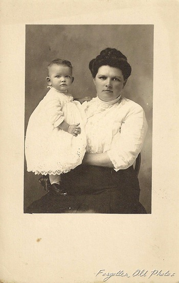 Cyko Postcard 1904 to 1920 Mother and Child Erhard