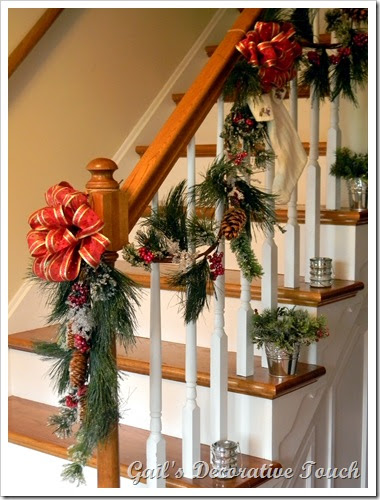 Gail's Decorative Touch: Christmas Staircase Banister