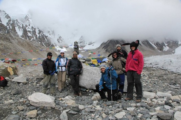 group shot on everest basecamp