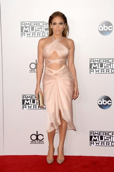 Jennifer Lopez attends the 2014 American Music Awards