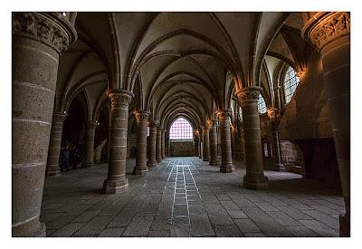 Mont Saint Michel - Eine weitere Säulenhalle