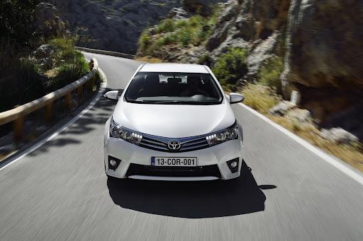 2014-Toyota-Corolla-14.jpg