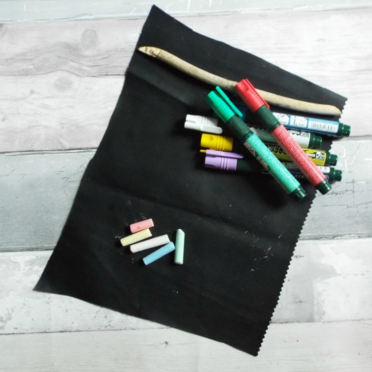 How to make a chalk fabric pennant