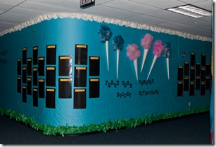 The First Grade Parade: Back to School Hallways/Bulletin Boards