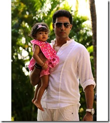 Aaradhya_birthday_photos_with_abhishek_bachan