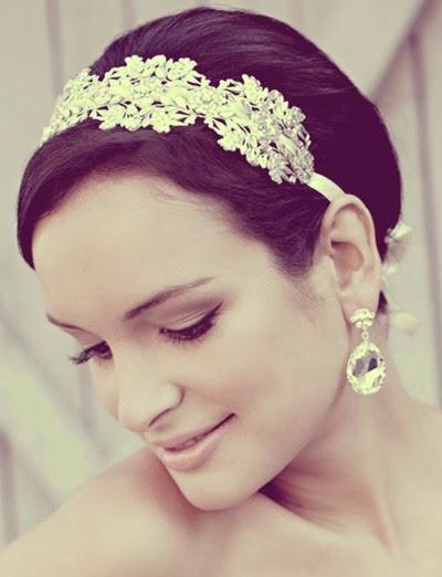 Short-Wedding-Hairstyles-for-Women-11