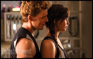 Catching-fire-Katniss-and-Finnick-Still