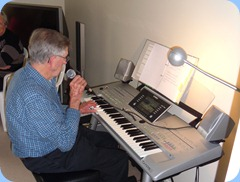 Michael Bramley playing the Tyros 3